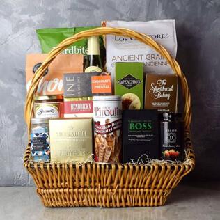 Markham Rustic Wine Gift Basket Maine