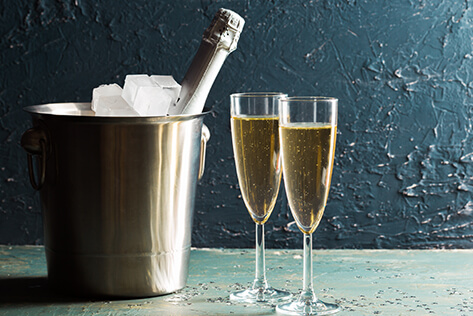 https://basketsmaine.com/media/holidays/Mother's Day/IMG_Champagne.jpg