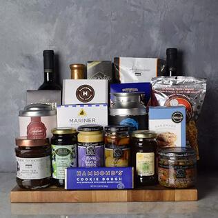 Kosher Grand Feast Wine Gift Basket Maine