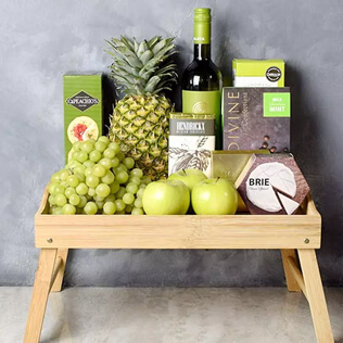Green & Bountiful Wine Gift Set Manchester